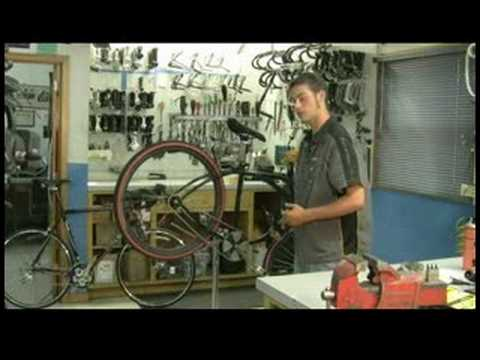 Bicycle Maintenance Tips : How to Fix a Rusty Bicycle Chain
