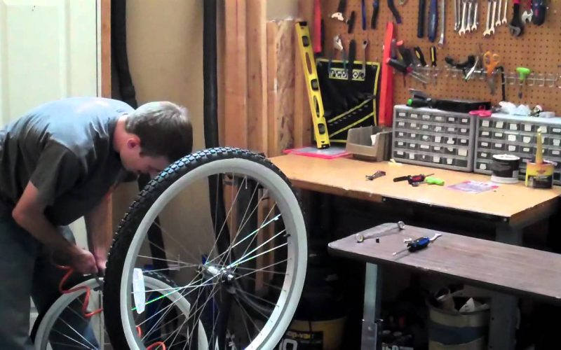 Changing a Bicycle Tube and Tire – Beachbikes.com